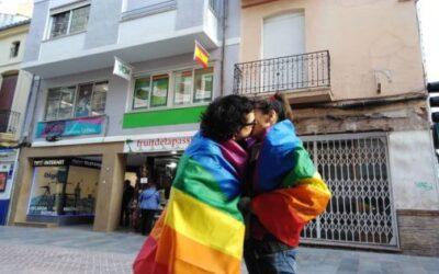 Día del Orgullo para animar a los mayores a 'salir del armario'