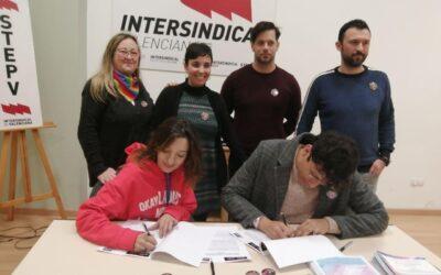 Intersindical Valenciana y Castelló LGTBI firman un convenio de colaboración para garantizar los derechos de las personas LGTBI