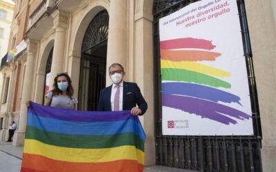 """FELGTB exige que se deje de penalizar a las Administraciones locales que """"ensalzan"""" la bandera LGTBI"""